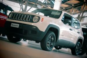 Jeep-Renegade-Sport-4x4-bianca-white-300x200